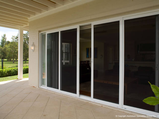 outdoor patio with fly screen